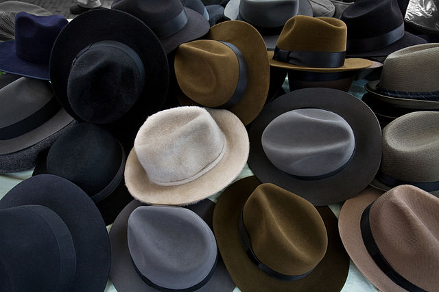640px-amsterdam_-_hats_-_0931